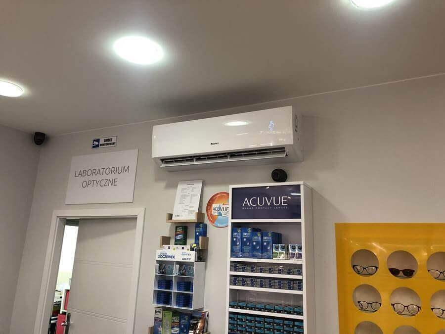 Montaż klimatyzacji Gree w salonie optycznym